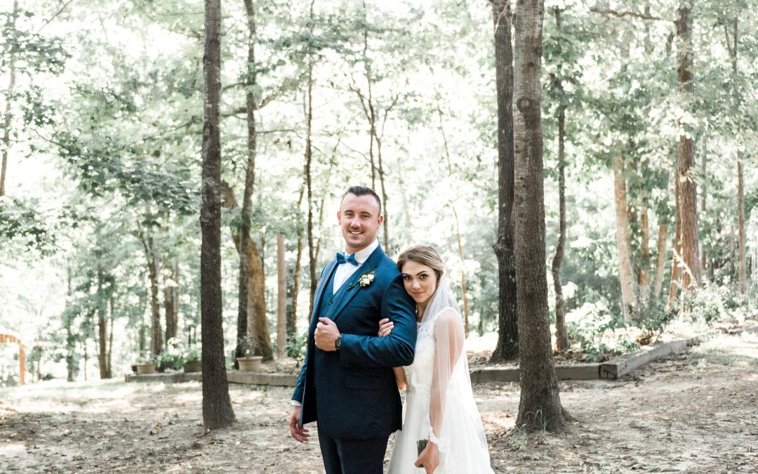 Taylor & Caleb's Rustic Wedding | Cabin at the Lodge | Kendal Perry